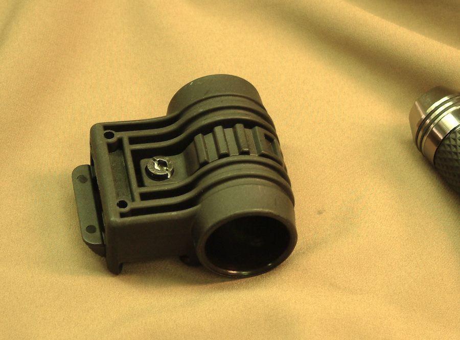 TD-style Flashlight mount for 20mm RIS - Black