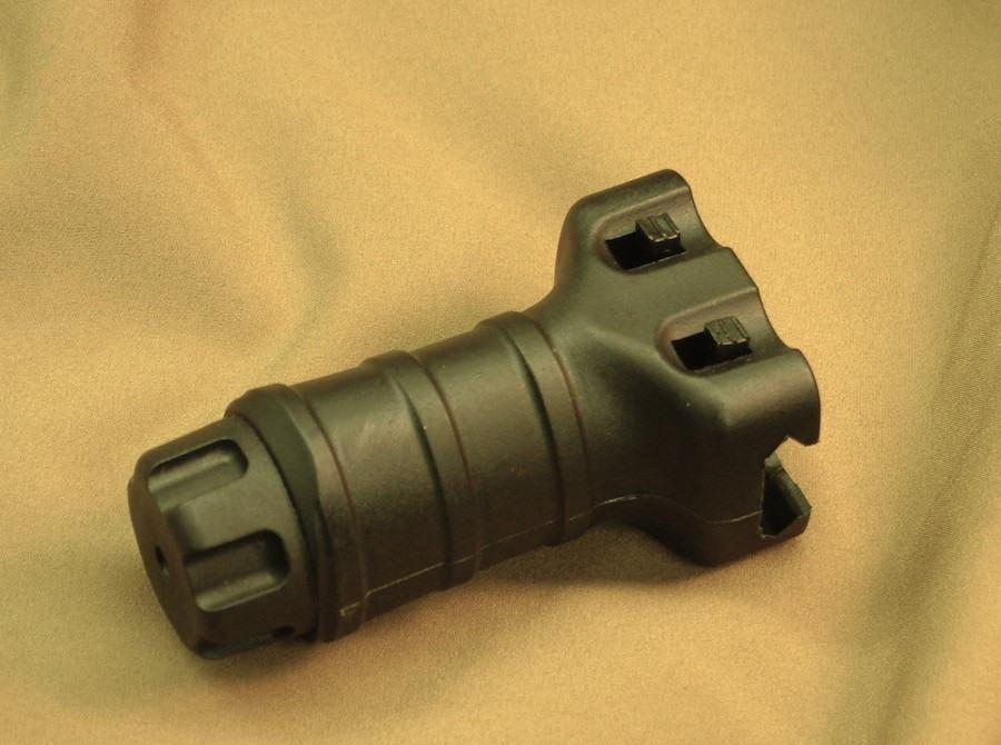 Teardrop Stubby RIS Grip - black