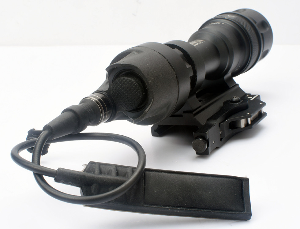 WADSN SF M952V LED Weapon Light - Black