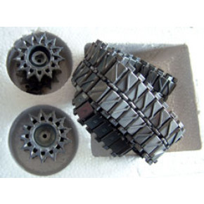Heng Long Metal track & drive wheel set for 3838 Snow Leopard tank.