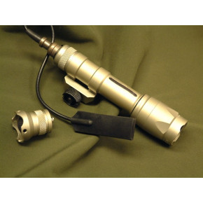 Element M600C LED weapon light / flash light- Tan