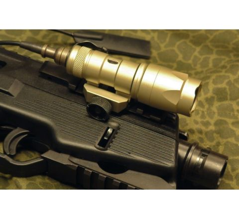 Element M300 short weapon light / Flash Light - TAN